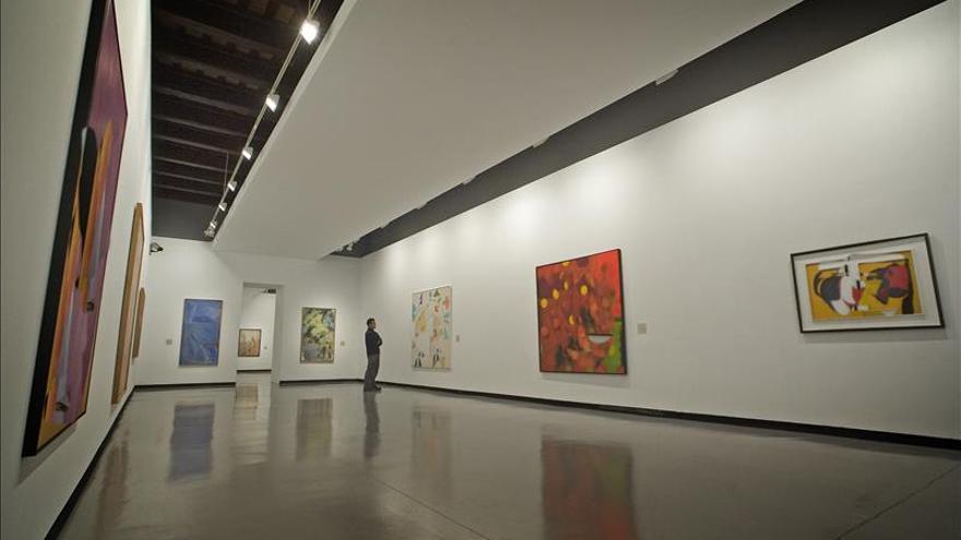 Trece mujeres de 4 países exhiben en Lima su visión contemporánea del barroco