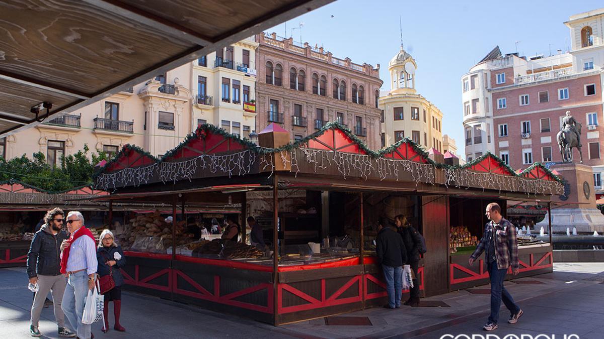 Mercado navideño en la Plaza de las Tendillas.
