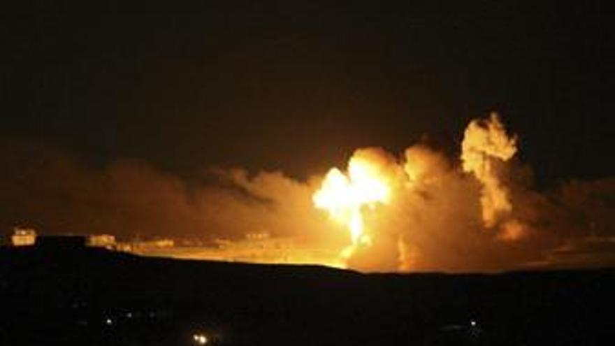 Aviones de combate israelíes bombardean túneles de contrabando