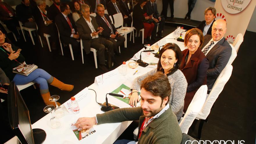 Antonio, Ruiz, Isabel Ambrosio y Rafi Crespín, en un acto público | MADERO CUBERO