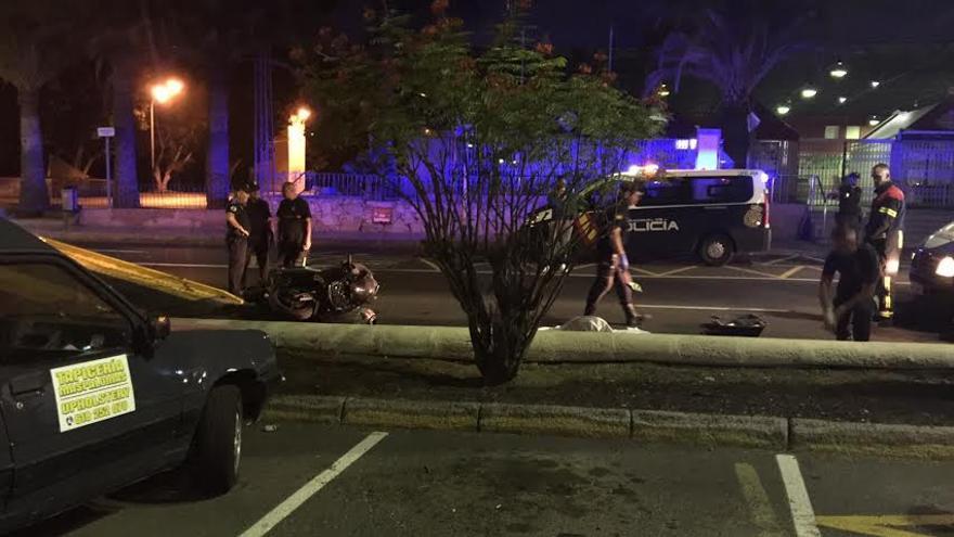 El suceso se produjo hacia las 00.29 en la Avenida Alejandro del Castillo, San Bartolomé de Tirajana.