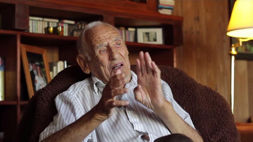 Berg vive hoy junto a su mujer en la casa que él mismo construyó cerca de Columbia, en Sierra Nevada. / Abraham Lincoln Brigade Archives (ALBA)