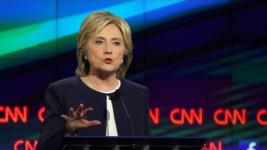 """Clinton: El EI es la """"principal amenaza"""" terrorista y """"debe ser """"derrotado"""""""