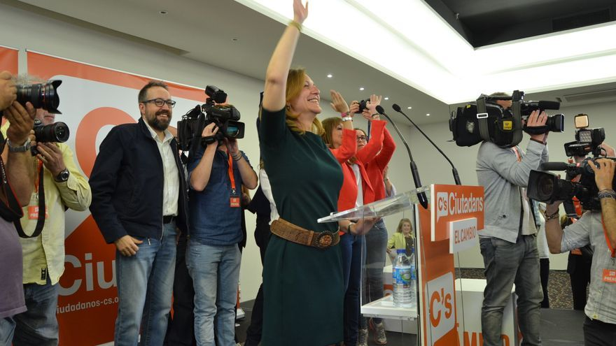 Carina Mejías en la noche electoral del 24 de mayo / CARALP MARINÉ