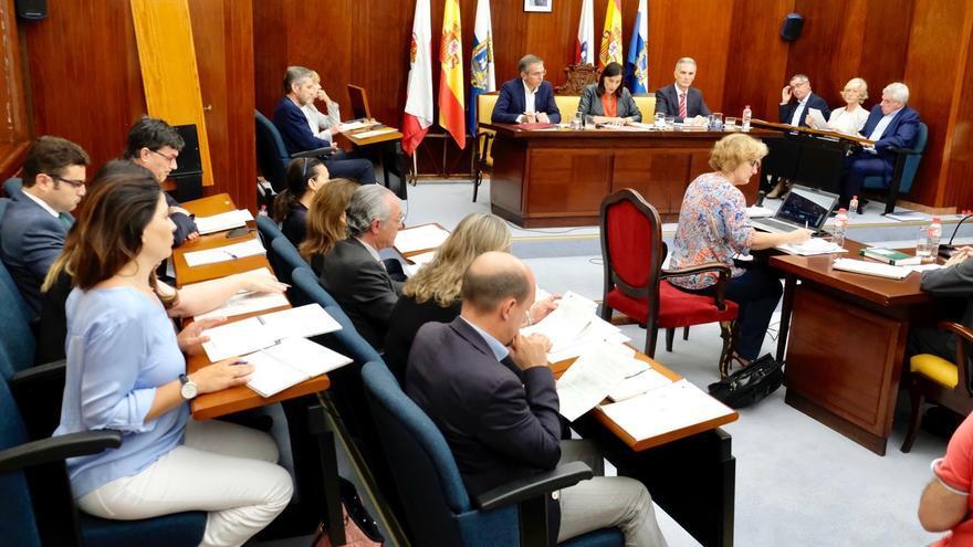 El Ayuntamiento de Santander ha celebrado este lunes el primer pleno de la legislatura.