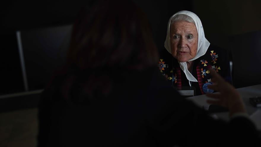 Nora Cortiñas, una de las fundadoras de las Madres de Plaza de Mayo, durante la entrevista en Madrid.