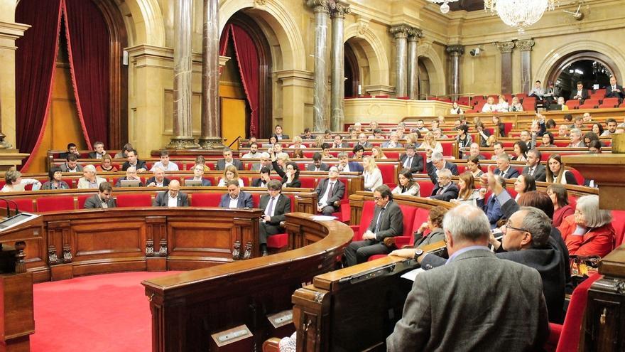 El Parlamento catalán admite a trámite la reforma de su reglamento para agilizar la independencia
