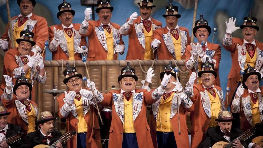 La final del Carnaval de Cádiz encumbra a Juan tras once horas de coplas