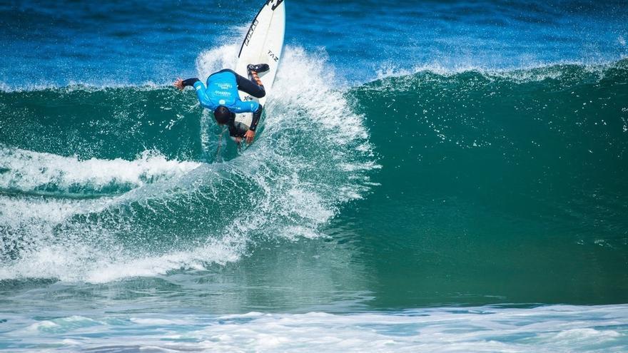 Un total de 140 surfistas de 15 nacionalidades tomarán parte desde este miércoles en el 'Pro Zarautz 2017'