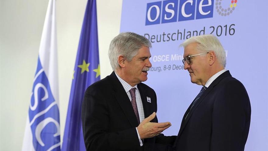 Dastis llama a resolver la crisis en Ucrania con una solución política