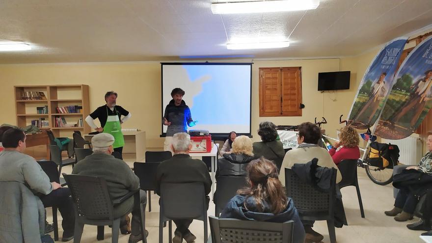 Reunión con los vecinos de Arguisuelas