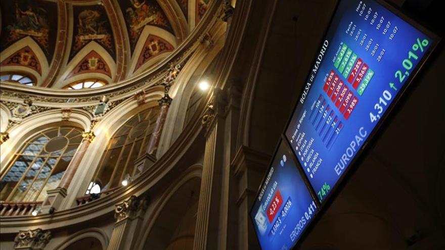 La prima de riesgo de España cae en la apertura a 119 puntos básicos