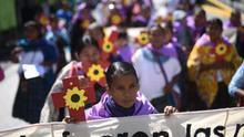 Mujeres guatemaltecas se manifiestan en caravana contra la violencia machista