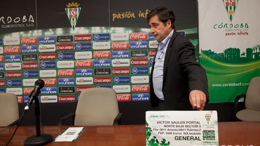 Carlos González, presidente del Córdoba, en la presentación de la campaña de abonos | MADERO CUBERO