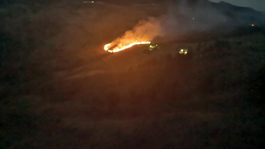Fuego en Las Lagunetas (Gran Canaria)