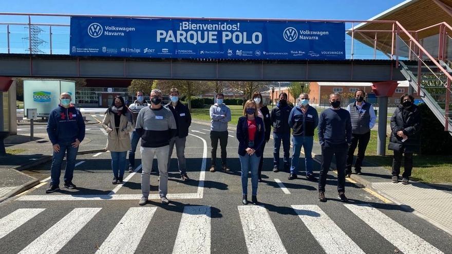 Amparo López, en el centro de la imagen, con asistentes al curso en las instalaciones del Parque Polo
