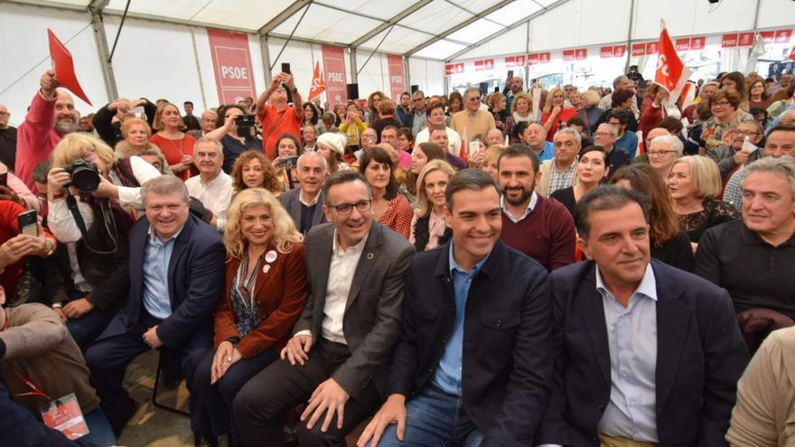 Pedro Sánchez en la presentación del candidato a la alcaldía de Murcia José Antonio Serrano en Puente Tocinos / Carlos Trenor