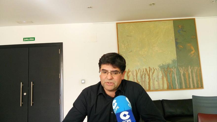 Miguel Ángel Pavón este lunes en atención a los medios