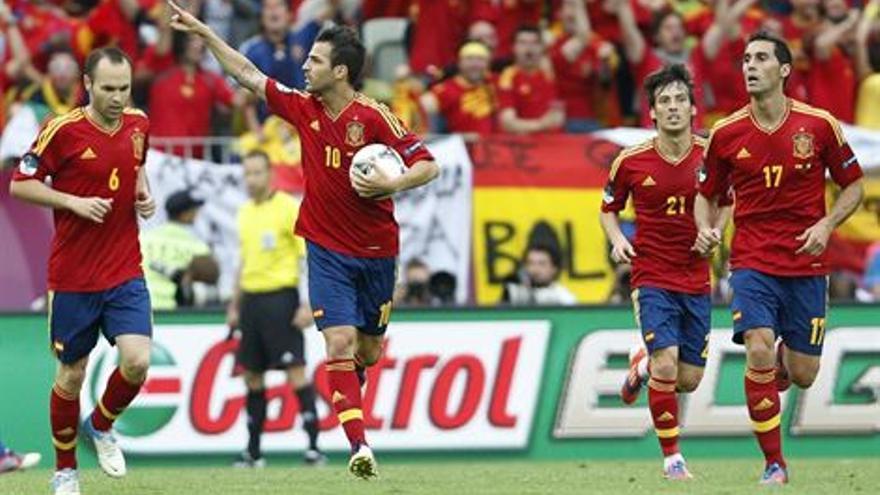 Cesc celebra el tanto de España (EUROPA PRESS).