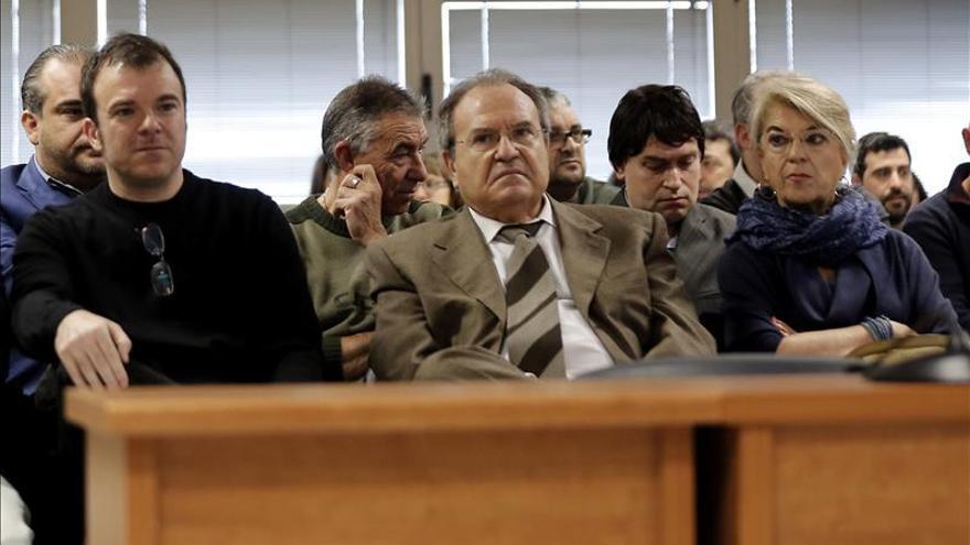 Los acusados en el juicio de Terra Mítica piden en masa la prescripción general