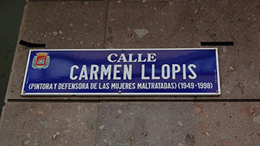 Placa de la calle Carmen Llopis. Cartel del Ayto. de LPGC. Sede de la Fundación Canaria de Investigación y Salud.(L.J.V)