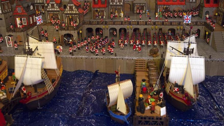 El Ateneo acoge la mayor colección privada de 'clicks' de Playmobil de España