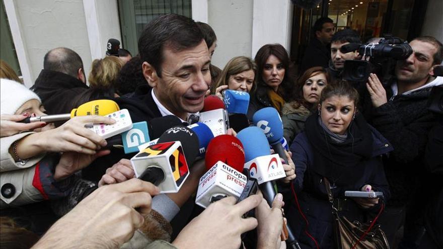 """El PSM acusa a González de """"blanquear"""" el ático mientras privatizaba la sanidad"""