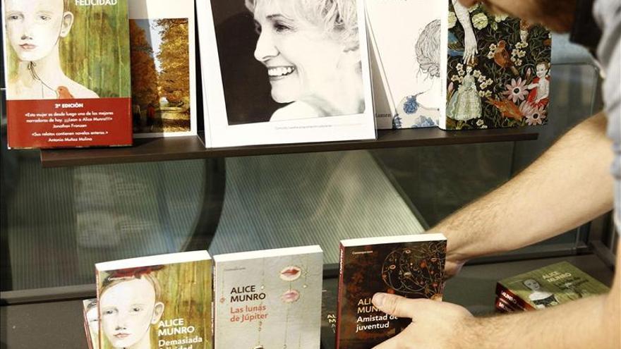 La canadiense Alice Munro gana el Nobel de Literatura 2013.