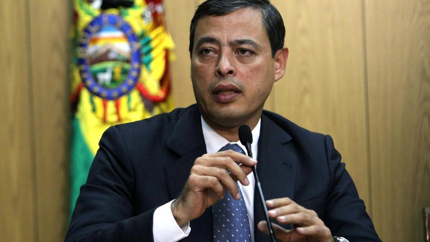 Rafael Isea, por entonces presidente del banco ALBA, en una rueda de prensa en Colombia en 2013.