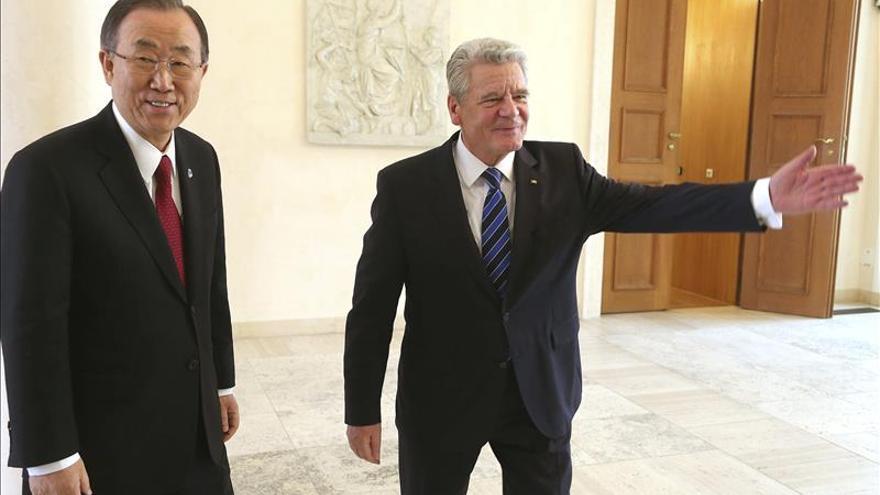 Ban pide a Berlín que se implique más en resolver las crisis internacionales