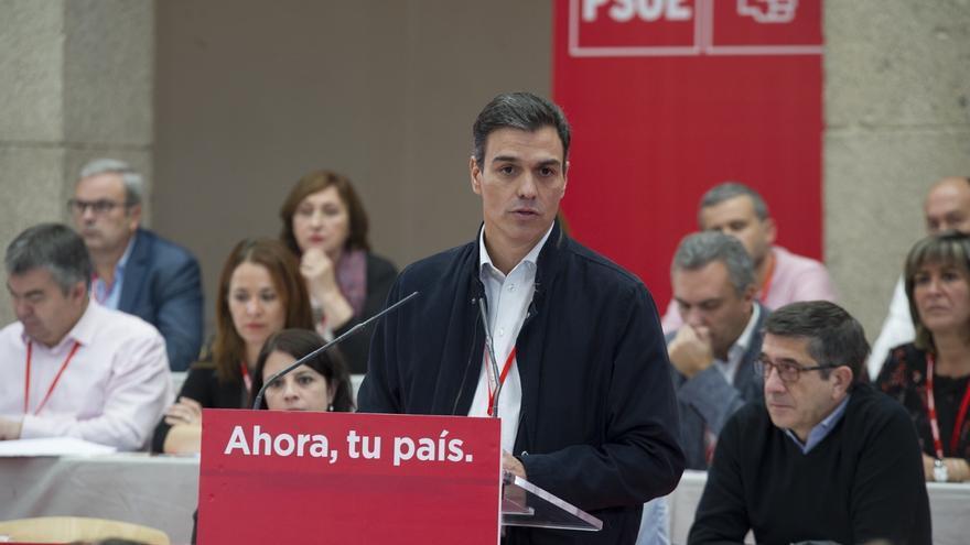 """Pedro Sánchez avisa de que, si hay socialistas implicados en casos de corrupción, """"al segundo estarán fuera"""" del PSOE"""