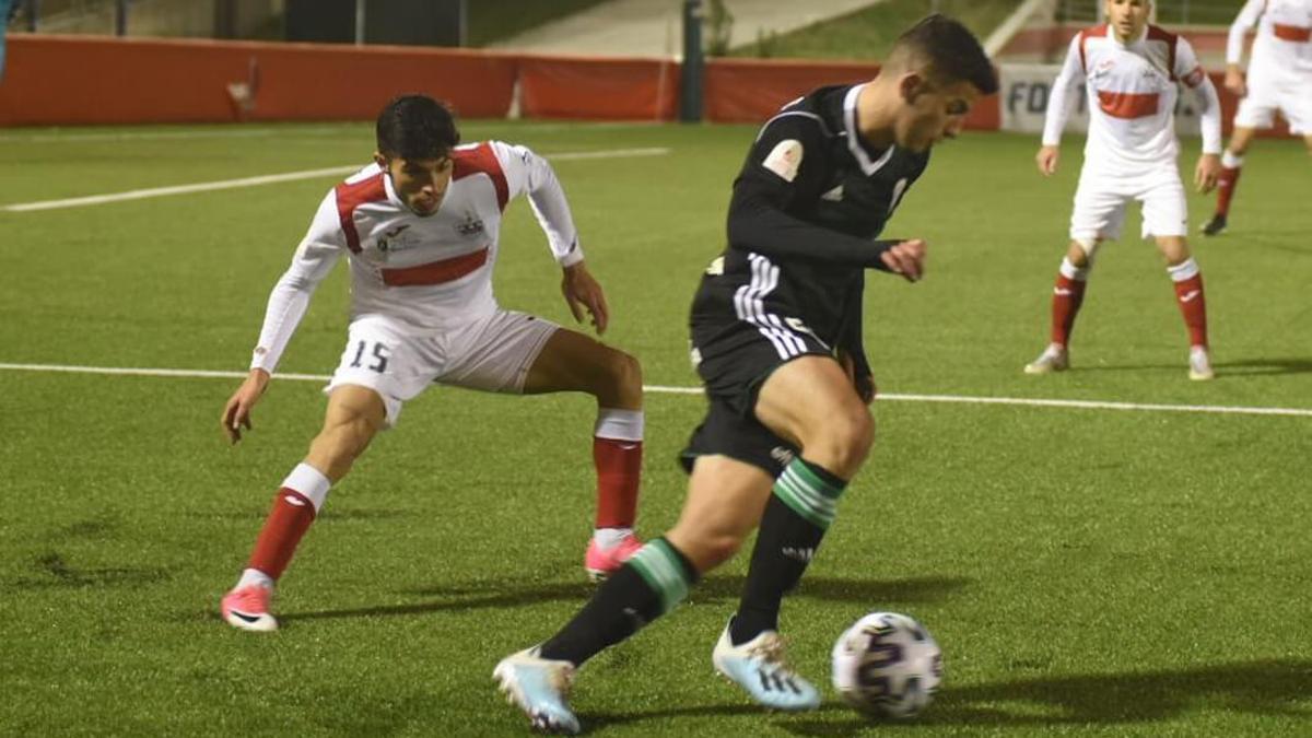 Fran Gómez, en un partido con el Córdoba