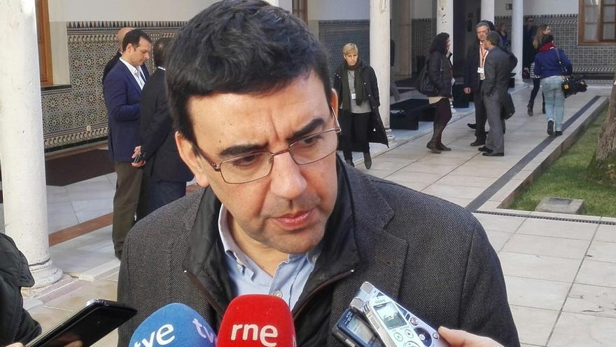 "PSOE acusa a PP, Podemos e IU de ""gamberrismo político"" para ""impedir"" los presupuestos andaluces"