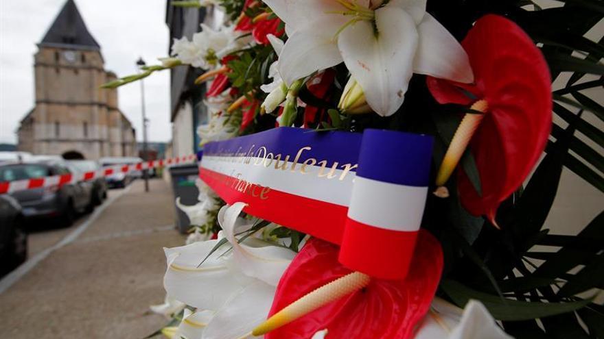 España muestra su repulsa por el atentado en una iglesia de Francia