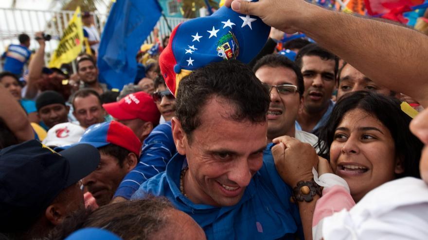 Capriles aprieta el paso por las calles venezolanas en busca de votos
