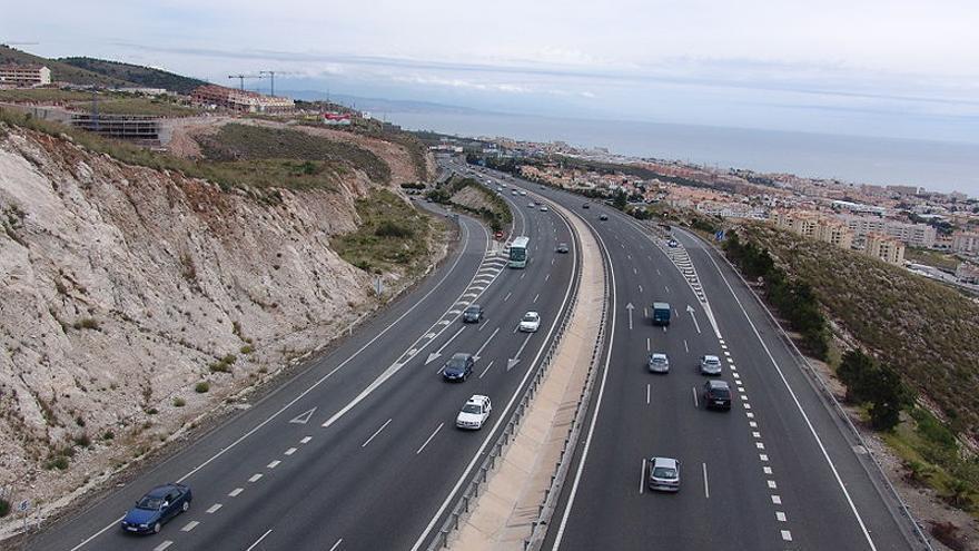 La Autovía del Mediterráneo o A-7 a su paso por Benalmádena (Foto: Wikipedia.org)
