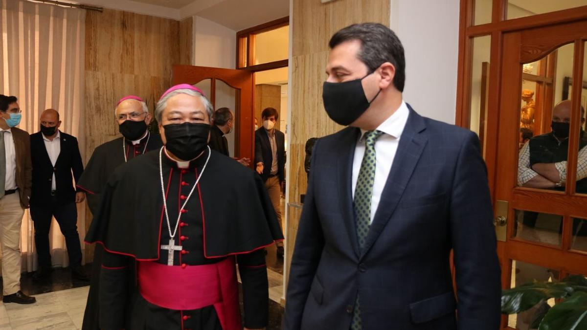 El nuncio del Papa y el alcalde de Córdoba