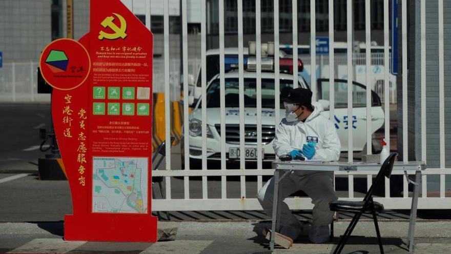 China detiene los contagios locales, mientras Italia se convierte en el país con más muertes