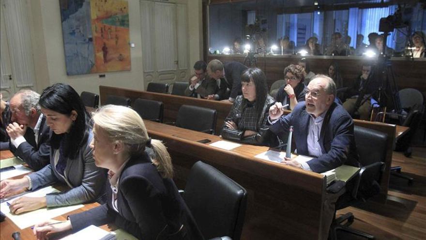 El Parlamento asturiano agiliza la comisión de investigación del caso Villa