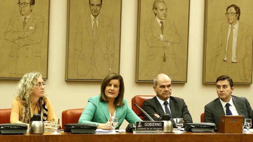 Báñez reprende a Amiaur por aprovechar el debate de las pensiones para protestar por la operación contra Herrira