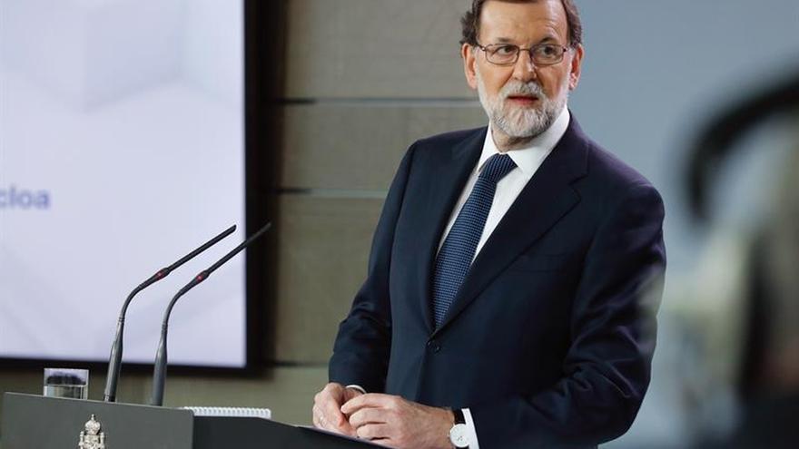 Rajoy cuenta cómo vecinos de Castelldefels le piden que vuelva la normalidad