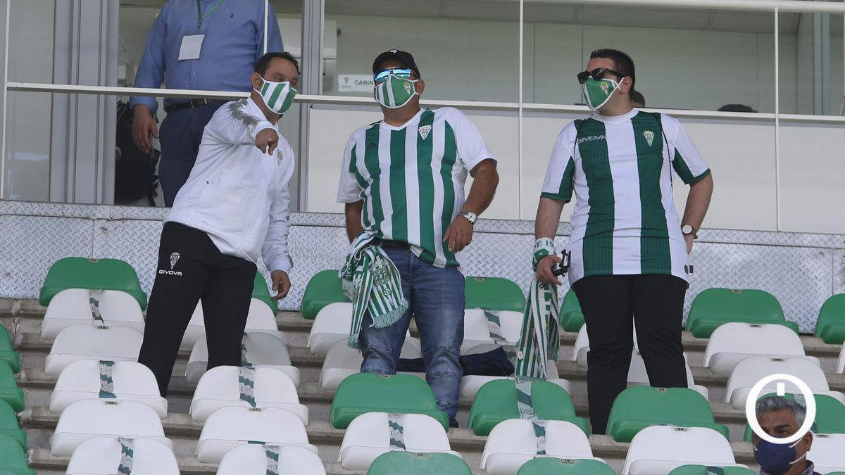 Aficionados del Córdoba durante un partido