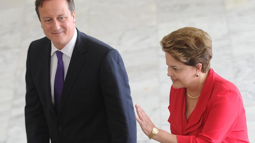 Rousseff defiende las medidas brasileñas para enfrentar la crisis ante Cameron