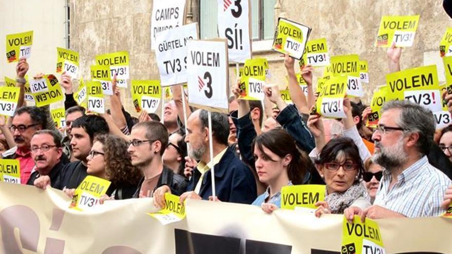Protesta ciudadana contra la censura de TV3 en la C. Valenciana