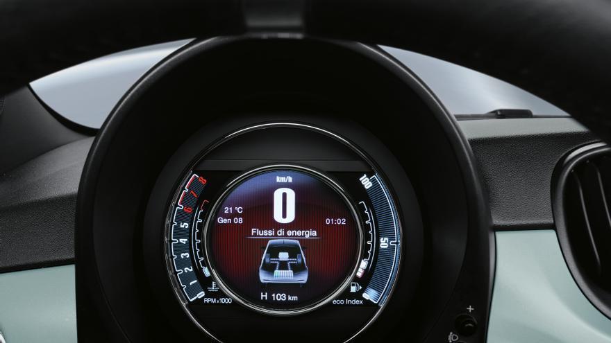 Los nuevos Fiat híbridos incluyen información específica en sus respectivos cuadros de instrumentos.