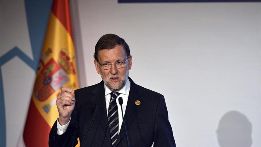 Rajoy dice que no se elevará el nivel de seguridad y habrá patrullas mixtas con Francia en la frontera