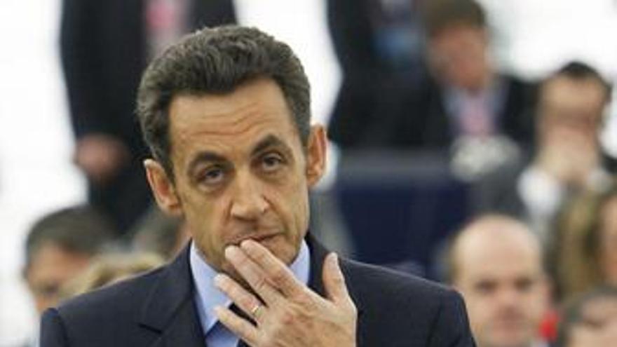 Sarkozy pide abrir conversaciones con Irán