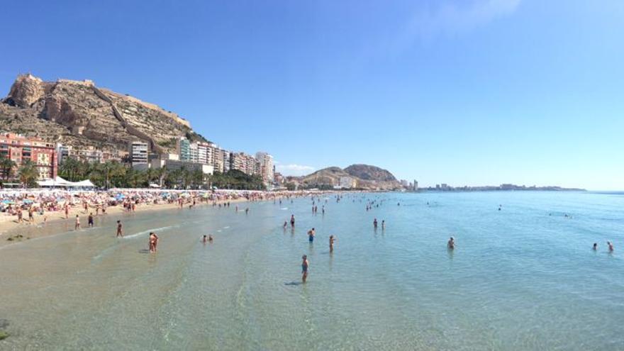 Playa del Postiguet, en Alicante.