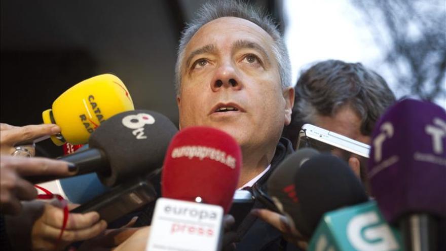 Pere Navarro confía en la inocencia de la diputada Montserrat Capdevila