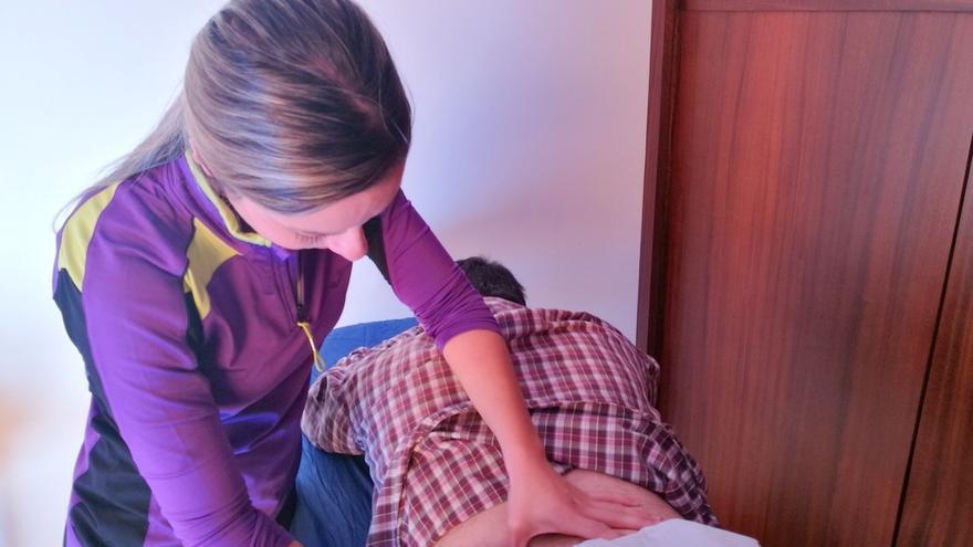 El proyecto  'Avanzamos' de la Asociación NEP ofrece servicios de rehabilitación terapéutica integral y asesoramiento (en la imagen, servicio de Fisioterapia).